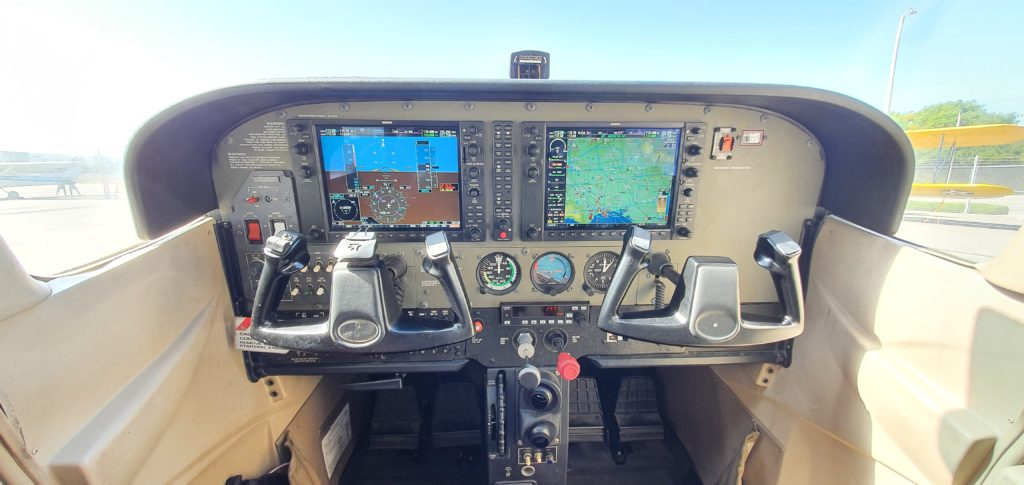 G1000 Aces high Aviation, Long Beach, CA,